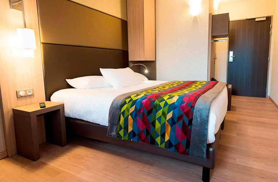 Chambre confort, Tarifs et chambres, Hôtel Kyriad St-Quentin